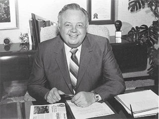 Curtis Carlson, founder of Radisson Hotels, T.G.I. Friday's and Carlson Wagonlit Travel